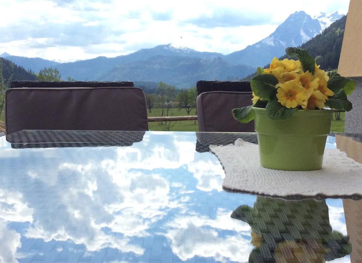Sommerurlaub Appartements Oberlehengut Gartenstühle